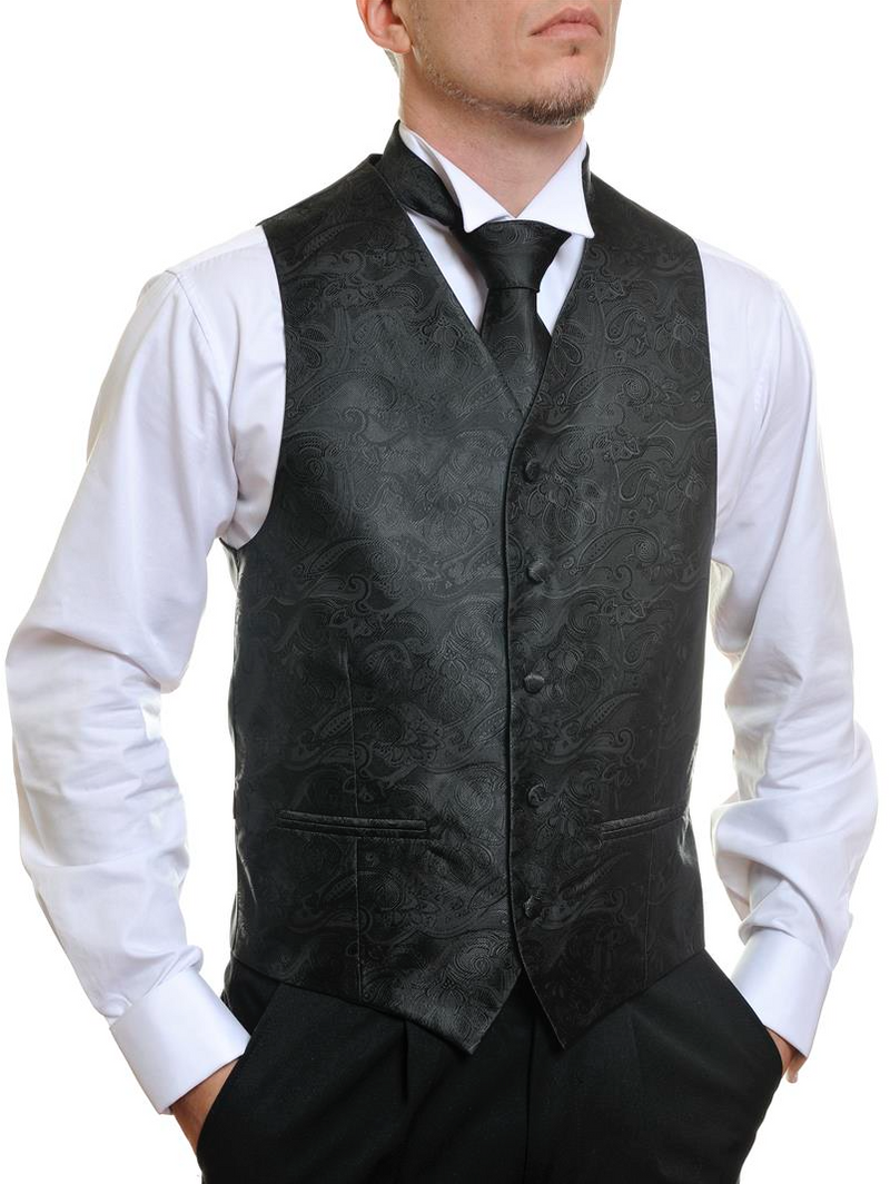 MEN'S SUITS: TUXEDO