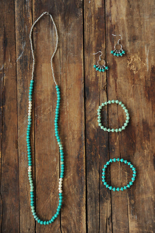 Nyoya Necklace Set