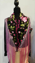 Embroidered shawl with silk fringe | Mantoncillo bordado con flecos de seda color rosa