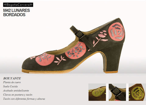 Flamenco dance shoes Begoña Cervera Lunares Bordados Model |  Zapato baile flamenco Begoña Cervera Modelo Lunares Bordados