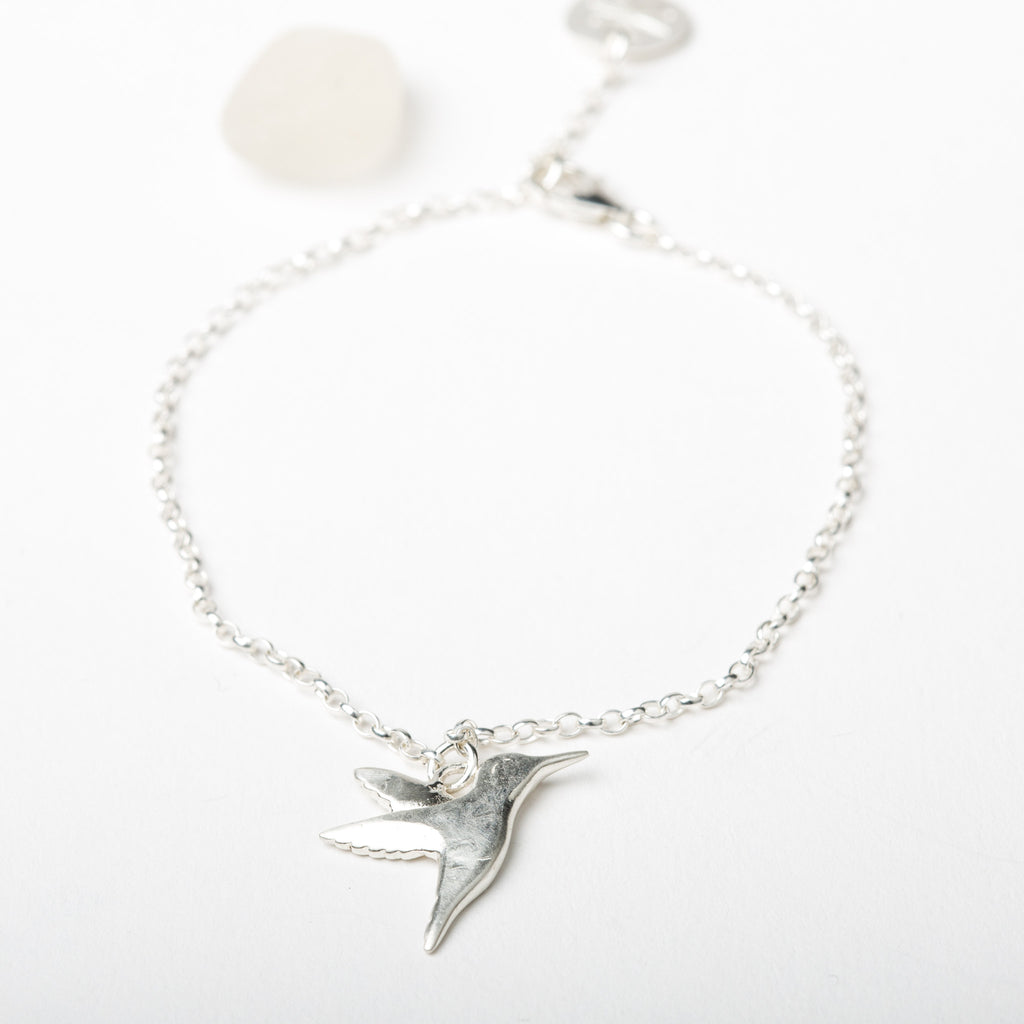 Hummingbird on Fine Chain Bracelet