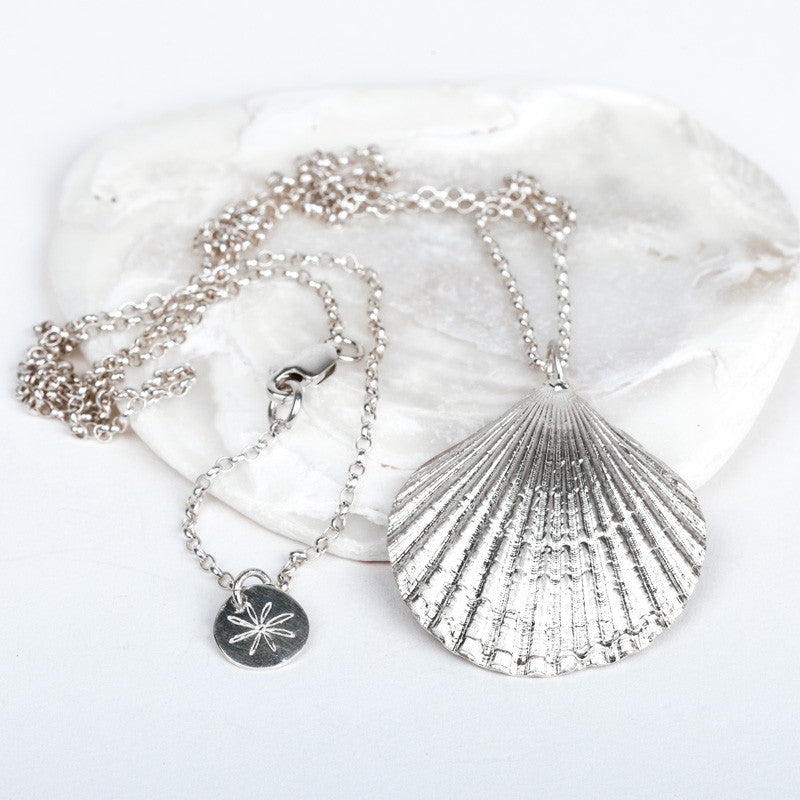 Scallop Shell Long Necklace