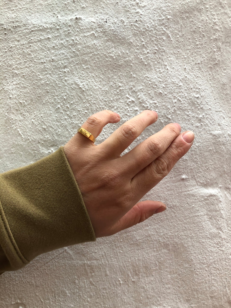 Initial Signet Ring Square Goldplated