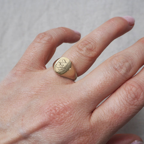 Initial Signet Ring Oval 14k Gold