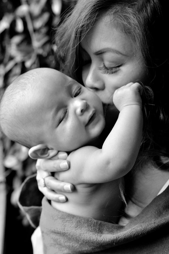 7 Tips for Better Mother & Baby Bonding - Wholesome Linen Blog