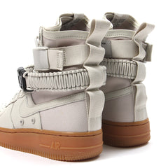 Nike Womens SF Air Force 1 (Light Bone/Light Bone-Gum Med Brown)