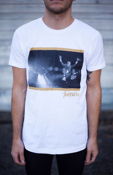 SALE 40% OFF - Toby Leap Photo Tee