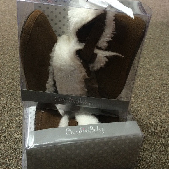 Boots with the fur - Baby Shoes - Pi Style Boutique - Giftcraft - Little Ones - 1