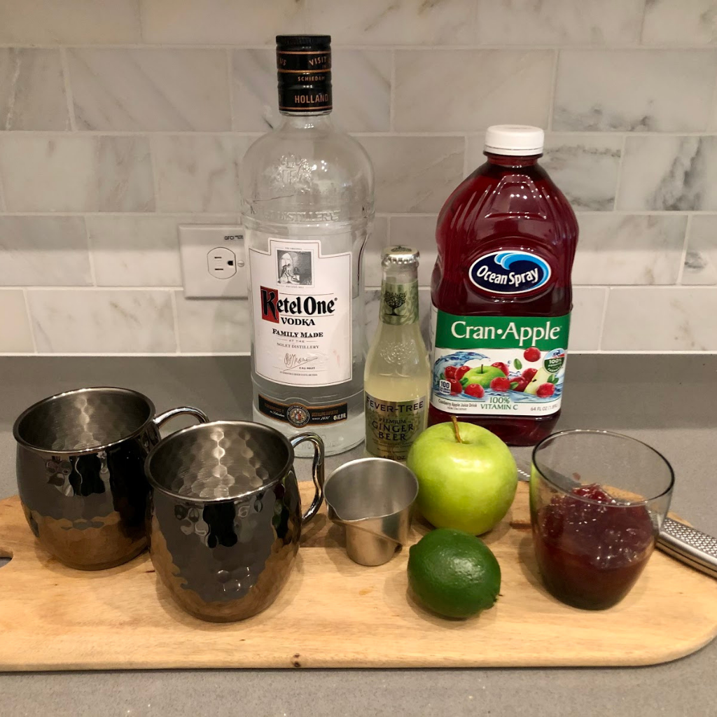 cocktails, cranberry vodko