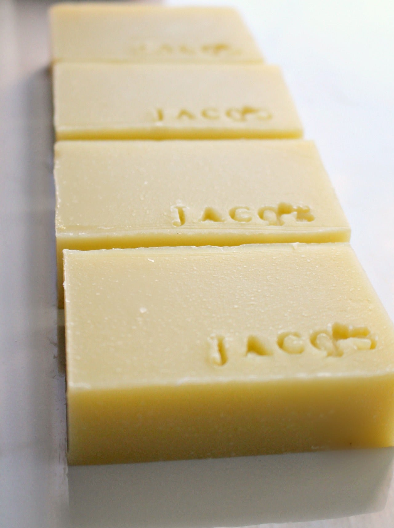 JACQ's Yucca & Lavender Cleansing bar in ar ow