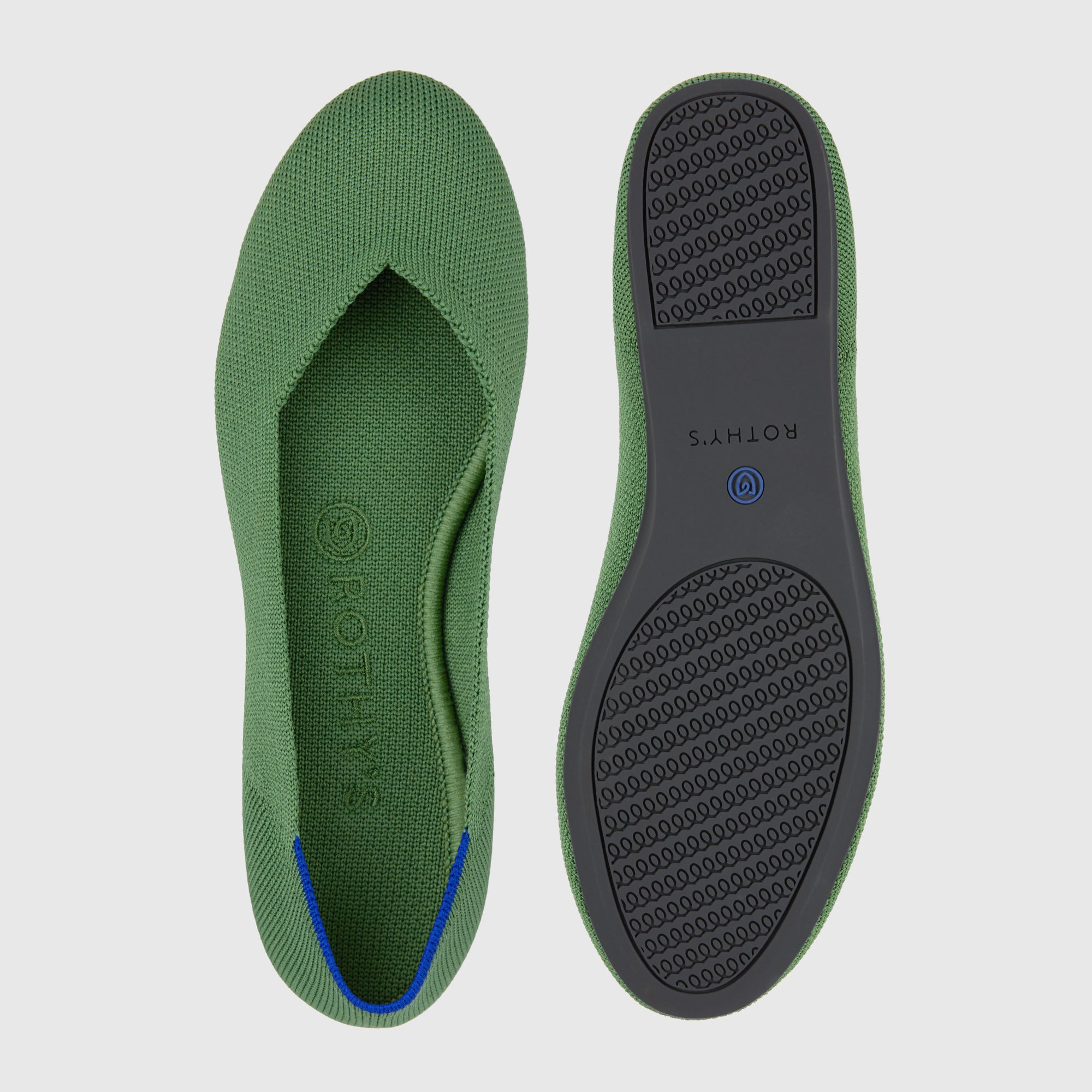 The Flat round toe shoe in Willow shown from the top alongside a view of the sole.