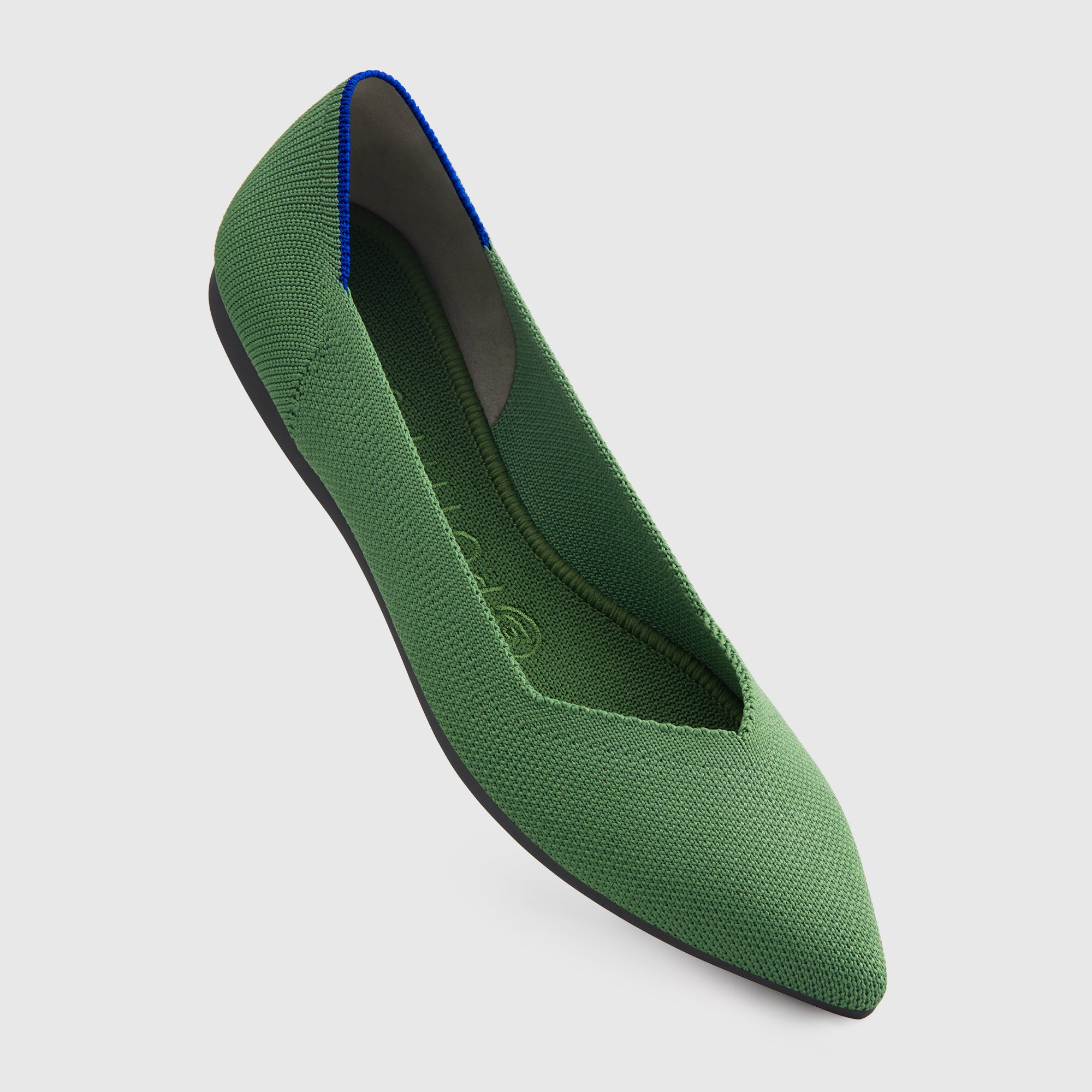 The Point shoe in Willow shown from the front at an angle.
