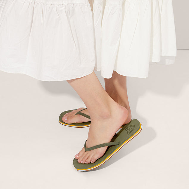 The Flip Flop sandal in Grasshopper shown on-model at an angle.