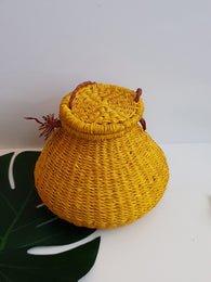 Yellow pot rattan straw bag