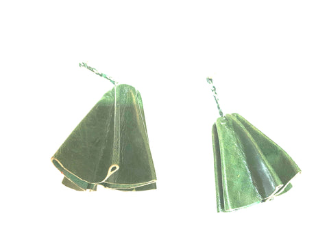 Parachute leather statement earrings - Green