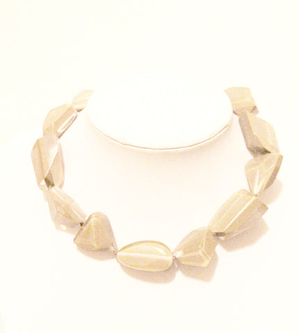 Beige choker necklace
