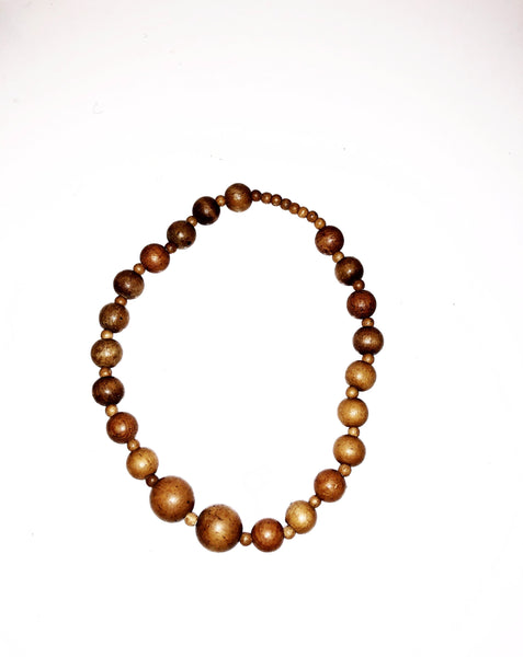 Thick wooden bead necklace