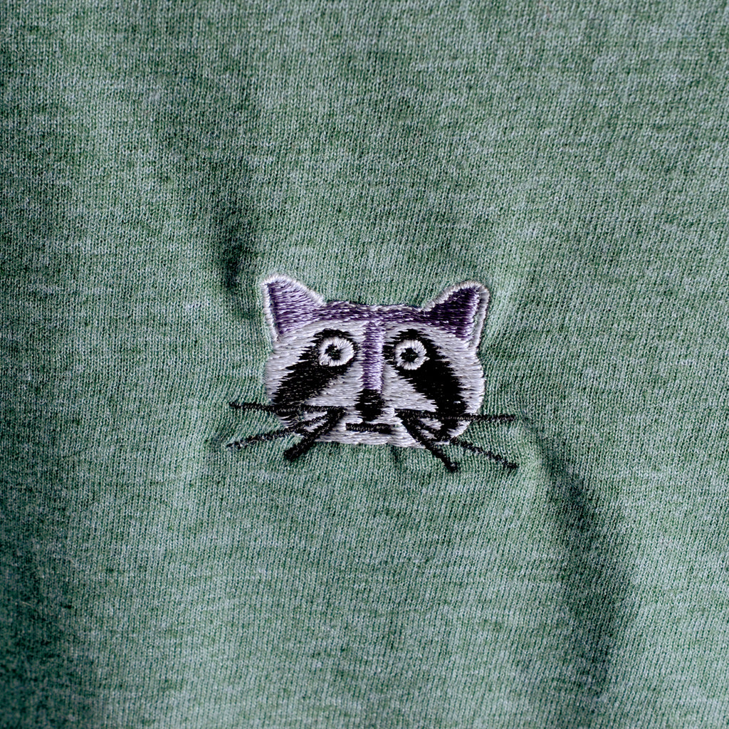 RACCOON EMBROIDERED TEE