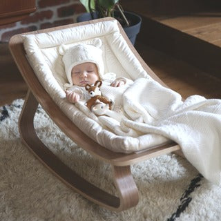 Holzbabywippe | Babywippe aus Holz online kaufen bei KidsWoodLove