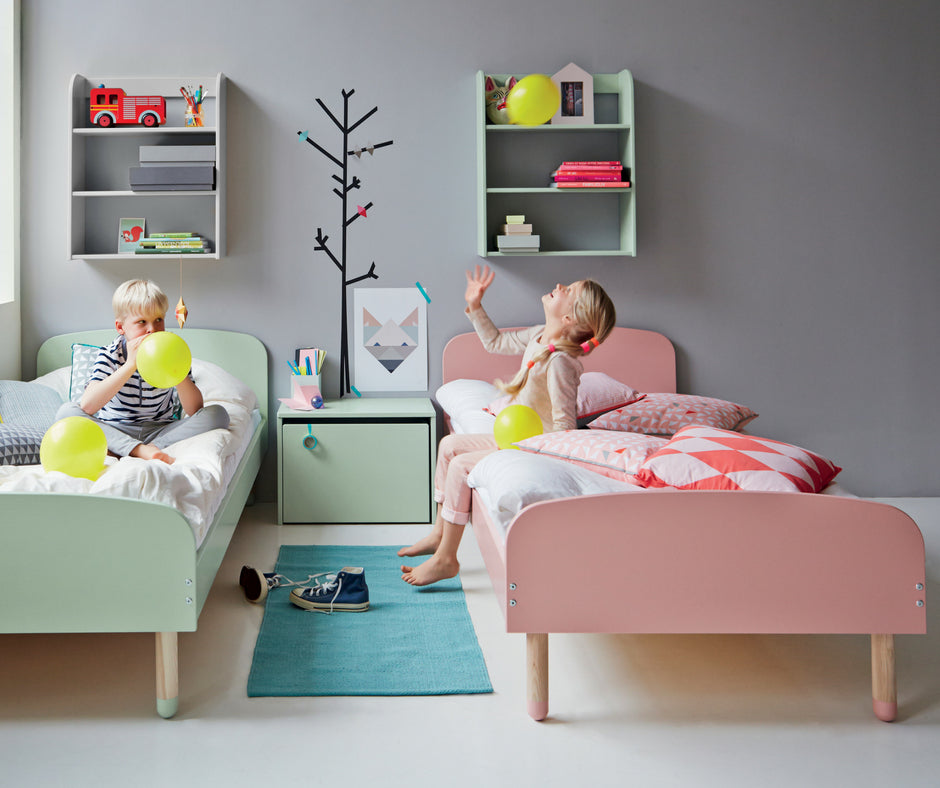 Flexa PLAY Kinderbett aus Holz in rosa und mint