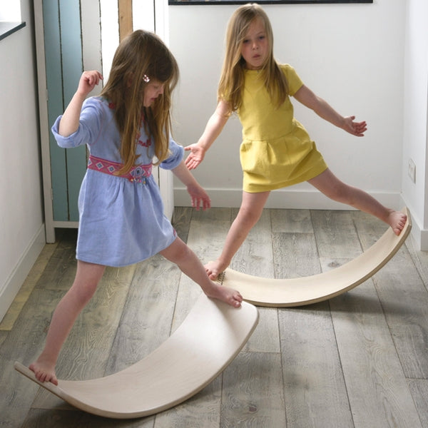 Wobbel Boards im Laden bei KidsWoodLove