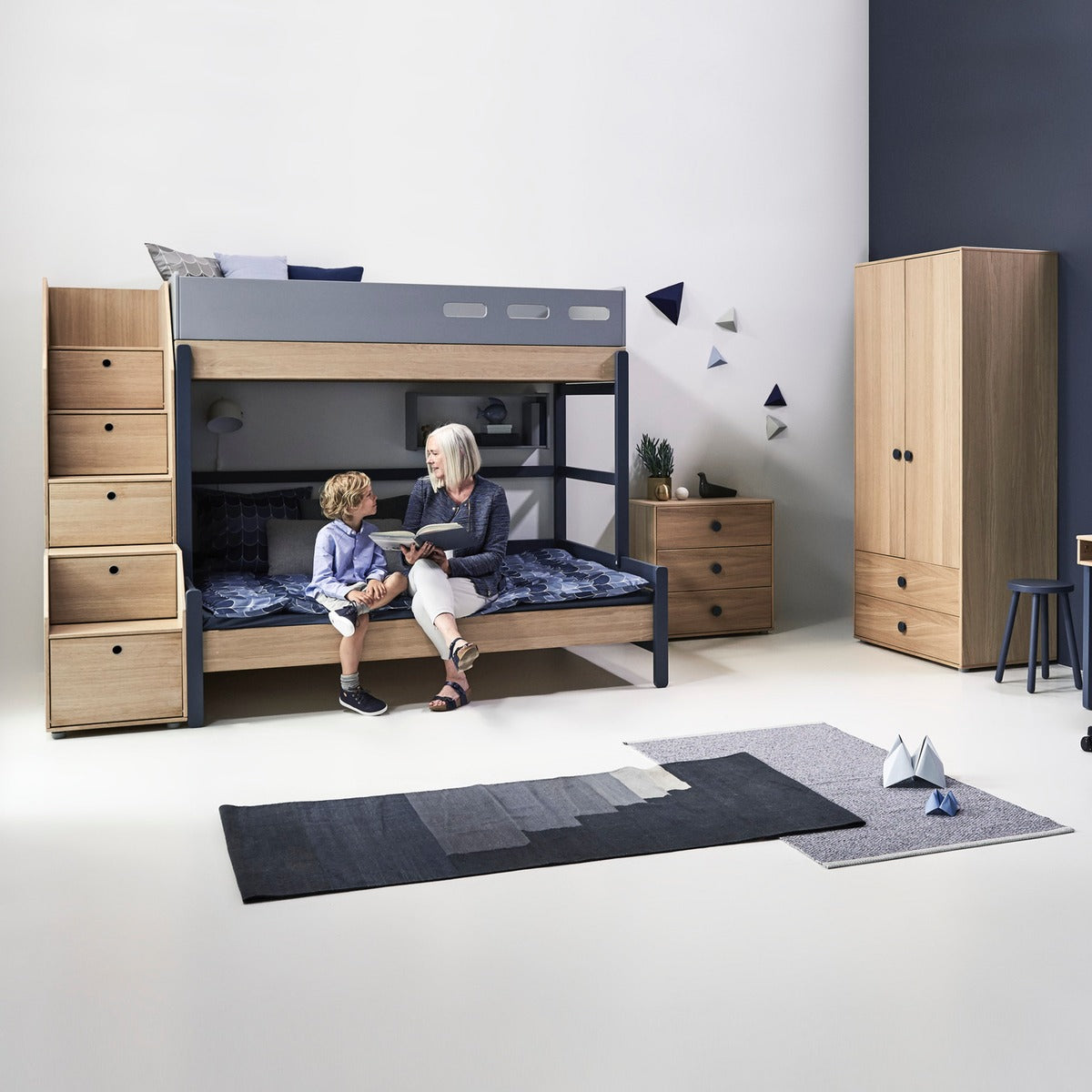 flexa etagenbett popsicle mit treppe blau ab 4 jahre. Black Bedroom Furniture Sets. Home Design Ideas