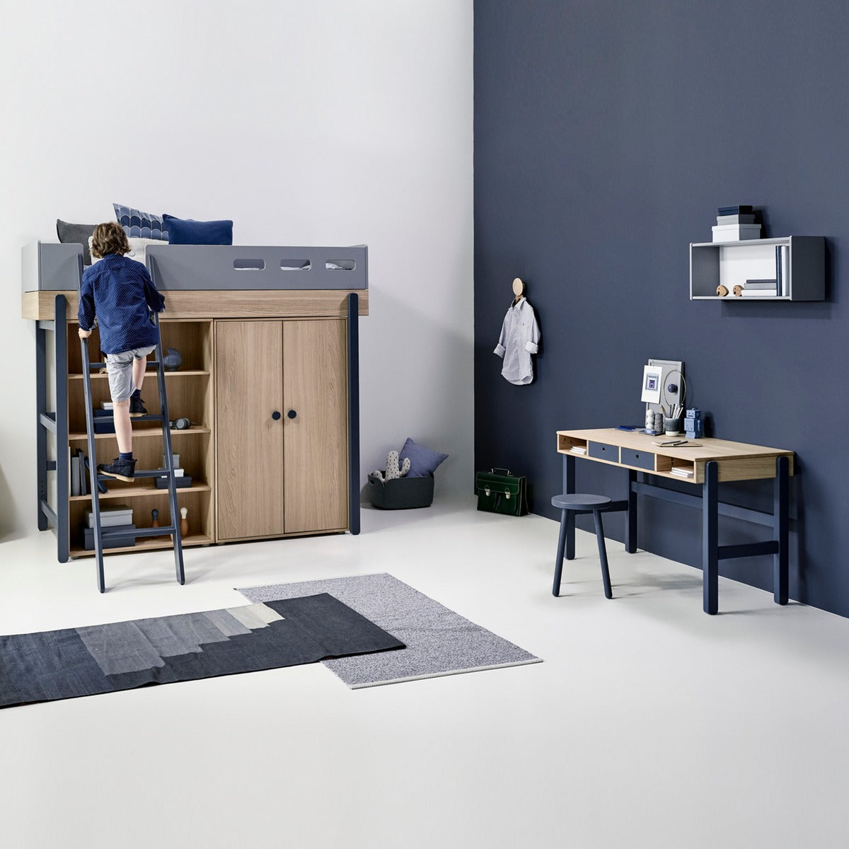 flexa kinder schreibtisch popsicle in blau online kaufen kidswoodlove. Black Bedroom Furniture Sets. Home Design Ideas