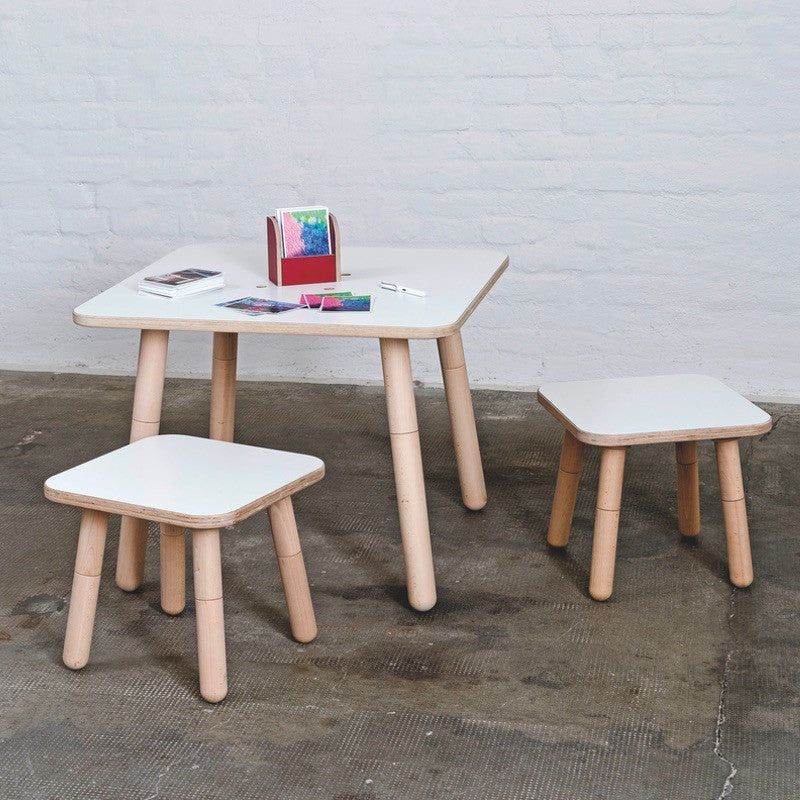 Growing Table Kindertisch Square mit Stühlen von Pure Position - KidsWoodLove - 1