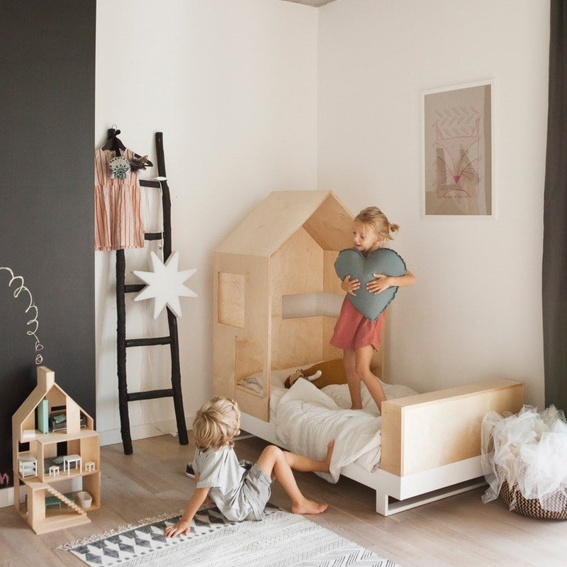kutikai kinderbett roof online kaufen kidswoodlove. Black Bedroom Furniture Sets. Home Design Ideas