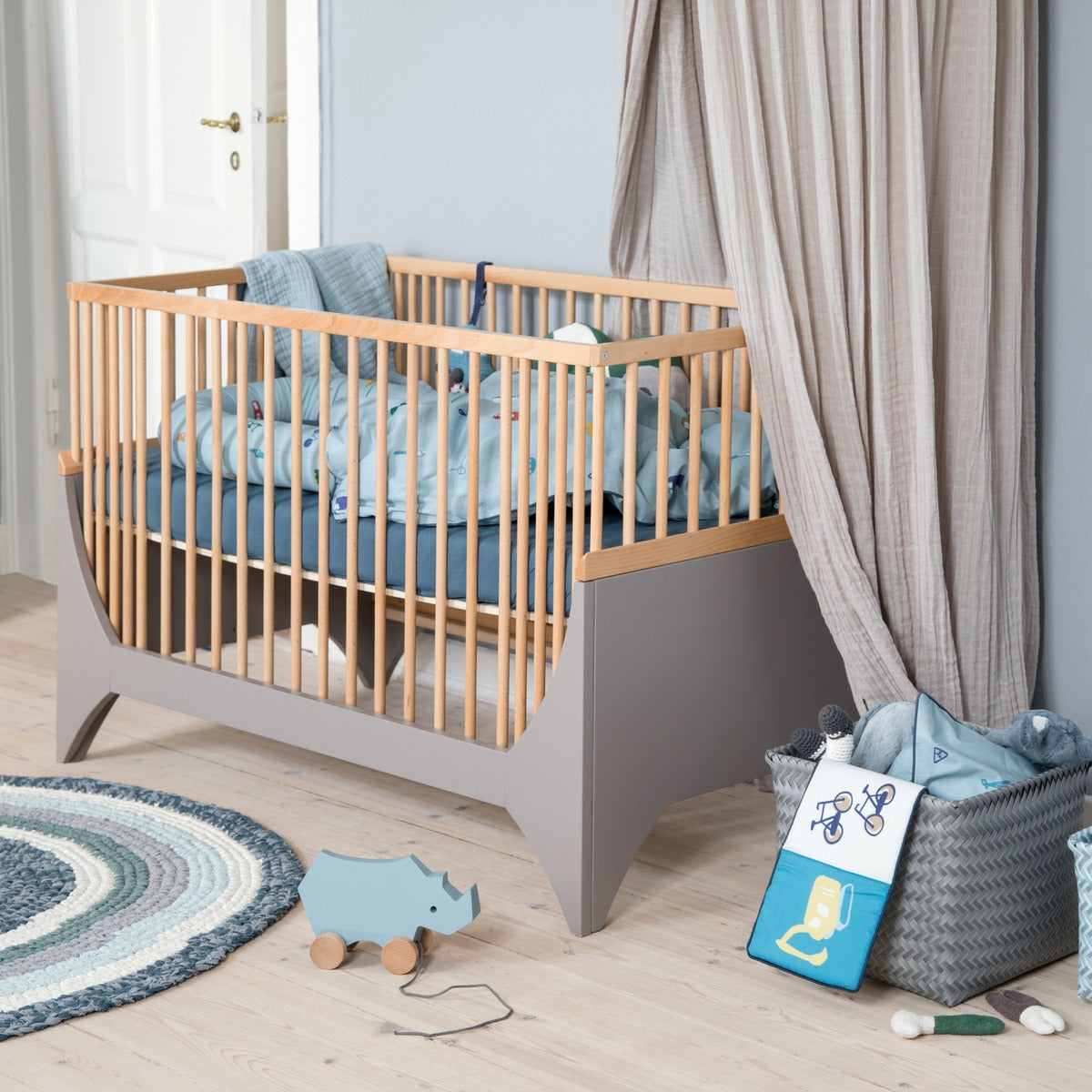 sebra yomi baby und kinderbett set online kaufen. Black Bedroom Furniture Sets. Home Design Ideas