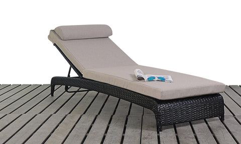 Luxury Rattan Lounger