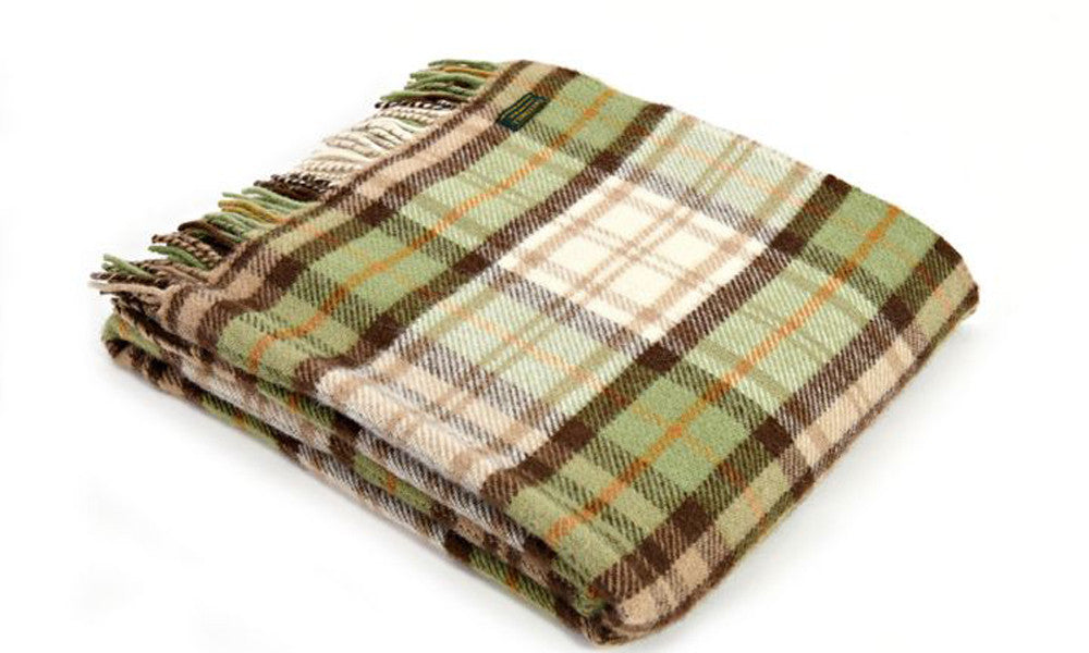 Country Cottage Wool Throw