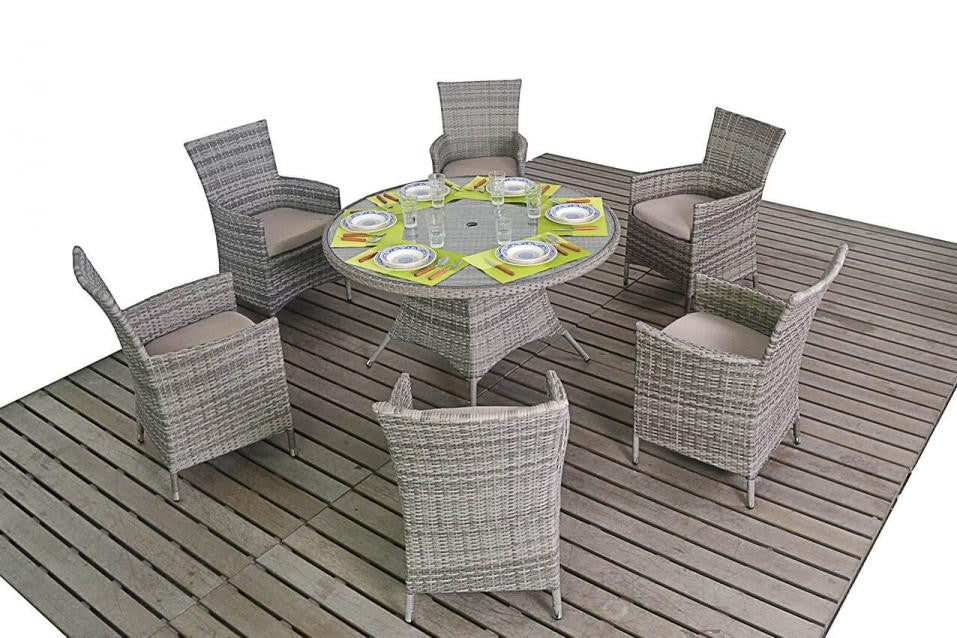 Rattan Round Dining Table x 6