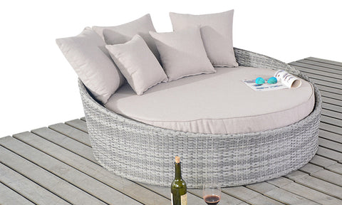 Luxury Rattan Daybed