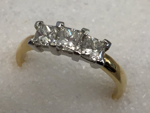 18ct 3 Stone Diamond Ring TDW 1.00ct
