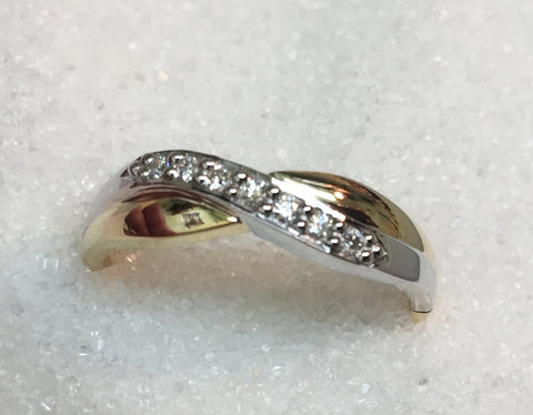 9ct Two Tone Diamond Ring TWD .10ct