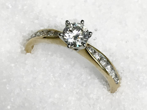 18ct Solitaire Diamond Ring TDW.64ct