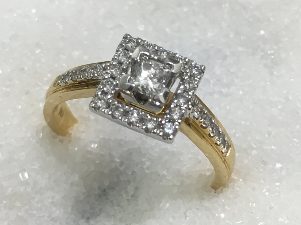18ct Square Halo Diamond Ring TDW.52ct
