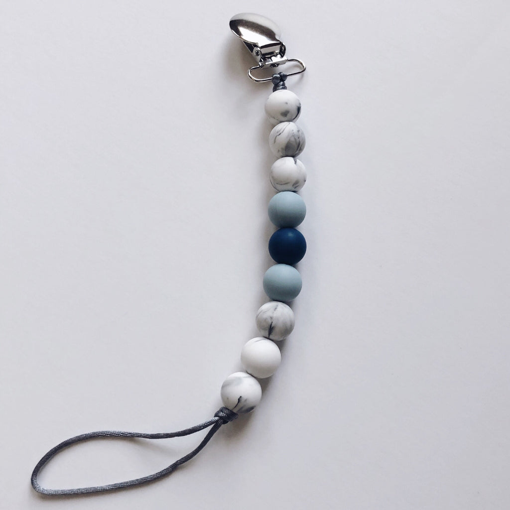 natural blue & white pacifier clip BE LOVE kids