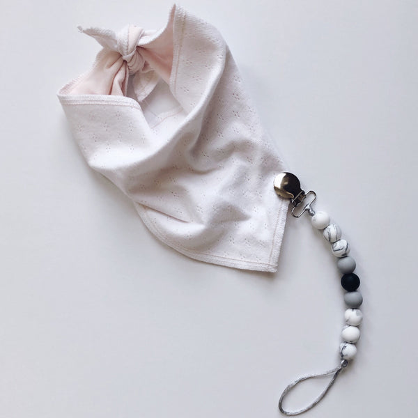 pacifier clip with organic cotton pink baby bib BE LOVE kids