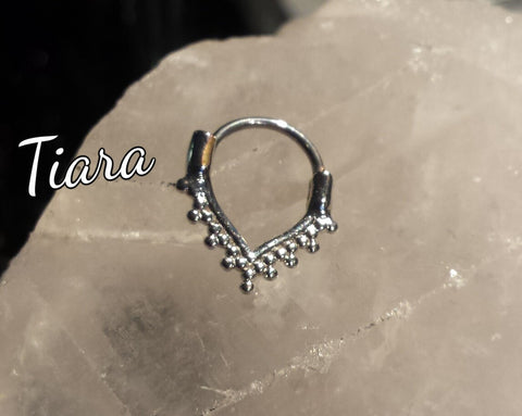 Tiara Filigree 16g Septum/Cartilage clicker - Club Tiki  - 1