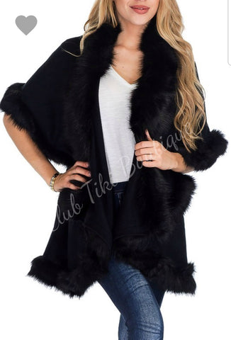 Capelet with Faux Fur