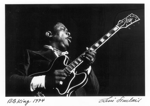 B.B.King 5X7 postcard notecard signed by Leni Sinclair 019