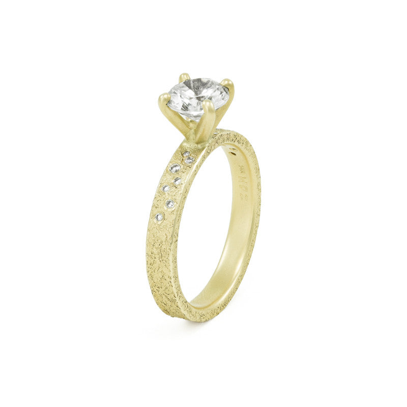 yellow ring d wear topic gold wedding rings a anyone shaped traditional plain band
