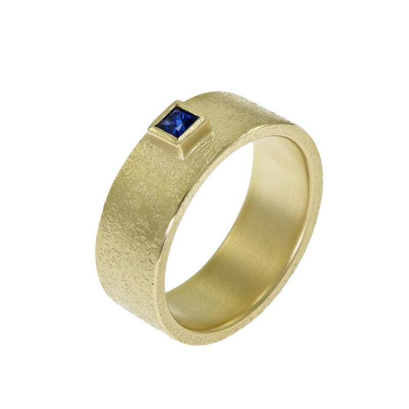 Mens gold ring with sapphire