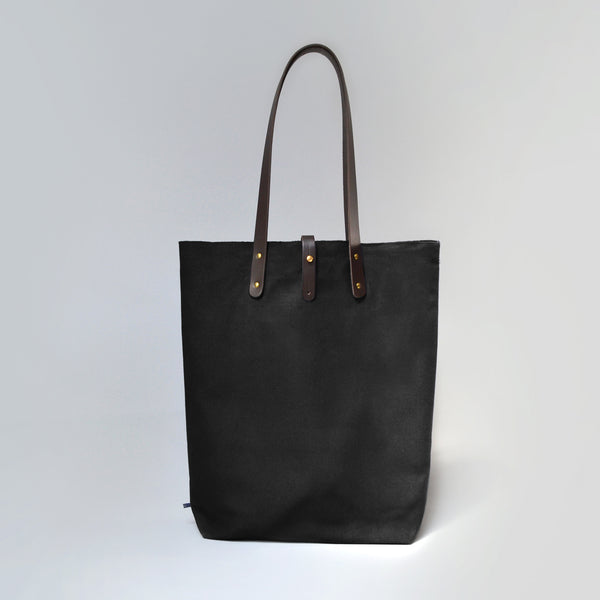 EUAN  <br/> Waxed Canvas Tote Bag <br/> Black