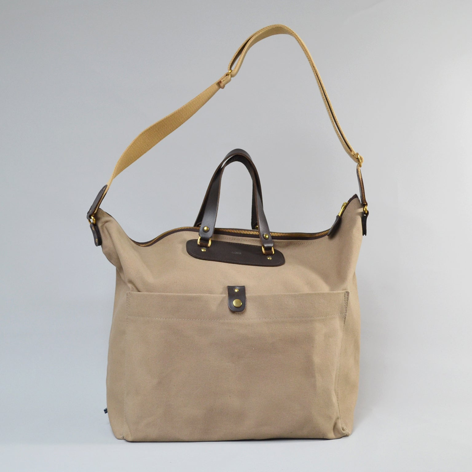 BILLY Shoulder Bag <br/> Camel