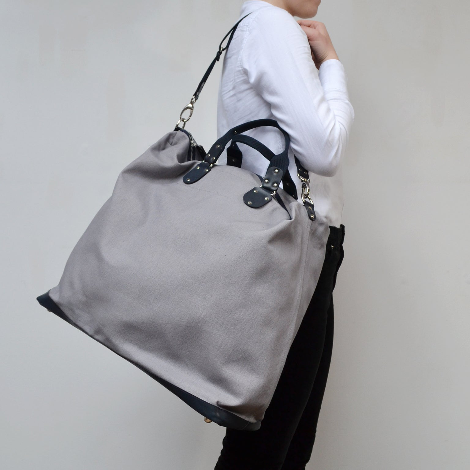 FLORES Satchel <br/> Grey