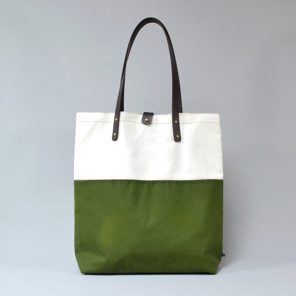 PILAR <br/> Waxed Tote Bag <br/> White & Green