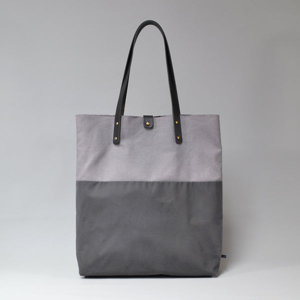 PILAR <br/> Waxed Tote Bag <br/> Grey & Charcoal